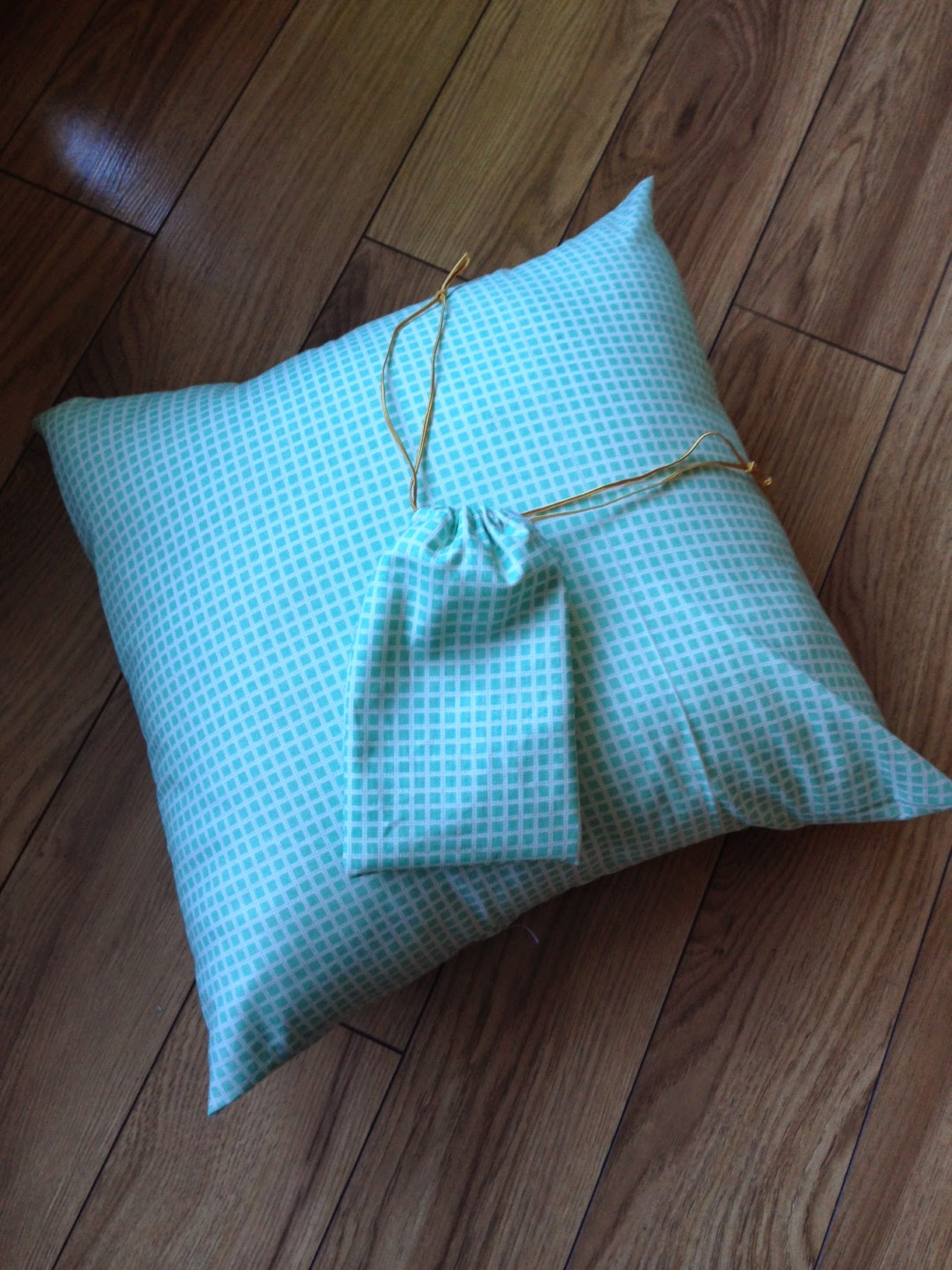 the workroom cushion cover lesson